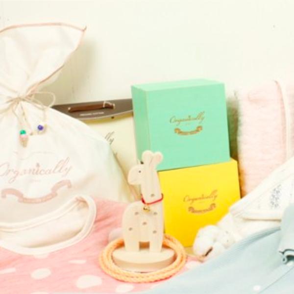 赤ちゃんの肌に優しいオーガニックコットン。出産お祝いの贈り物